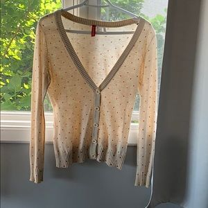 ☮️ Cute taupe and coral dots button sweater